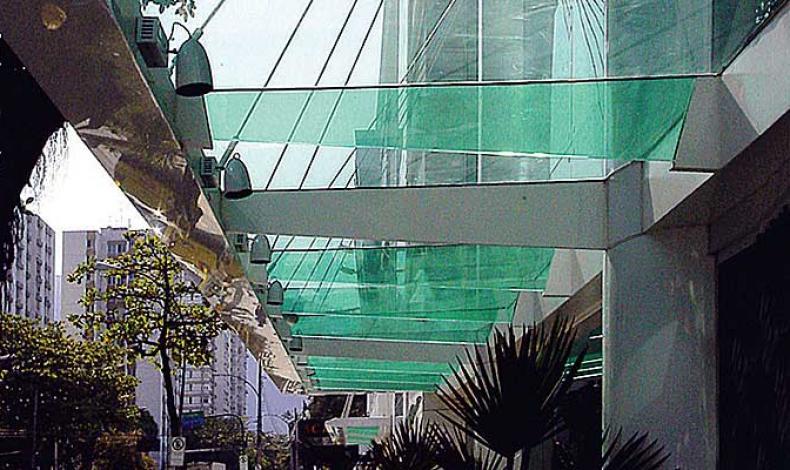 ad3d6a9d53e2e Eduardo Mondolfo Arquitetos  Shopping Leblon