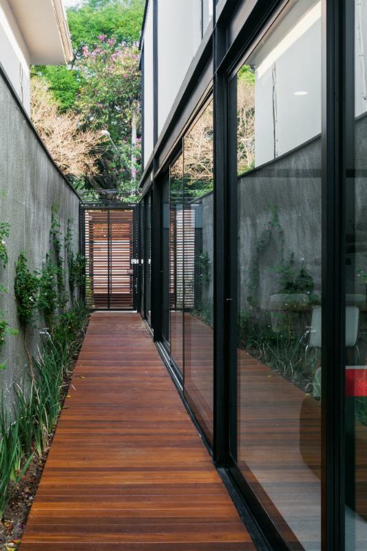 Cr2 Arquitetura Casa 7x37 S 227 O Paulo Sp Arcoweb
