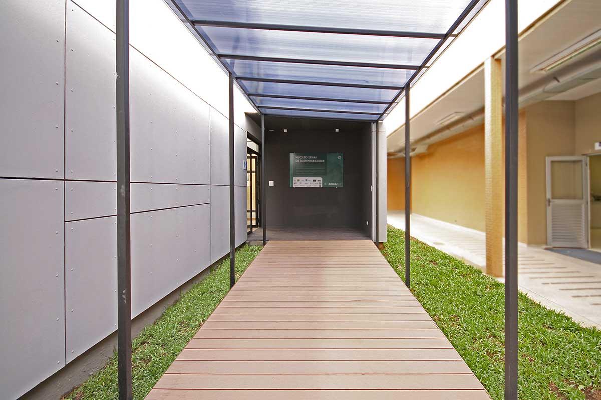 Studio ArqBox: Núcleo Senai de Sustentabilidade Curitiba ARCOweb #996B32 1200x800