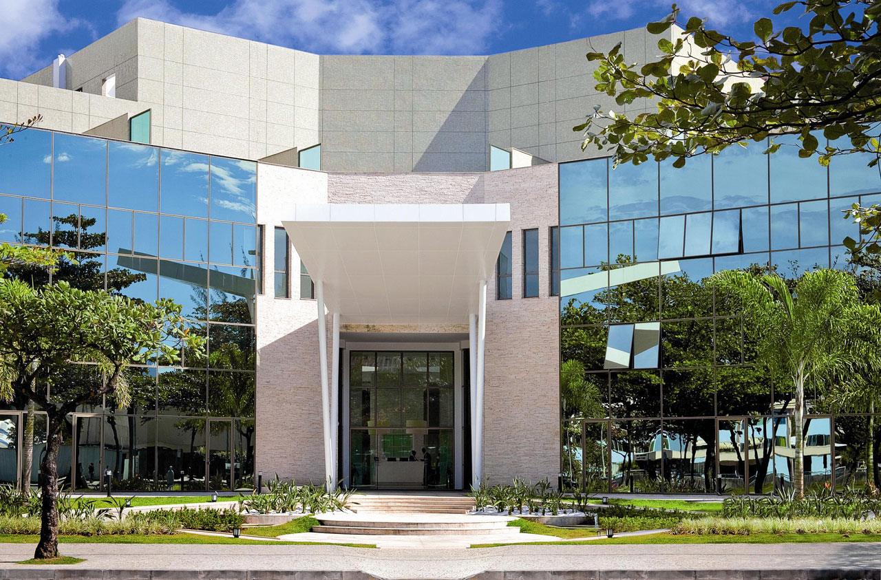 Resultado de imagem para edifício cosmopolitan barra