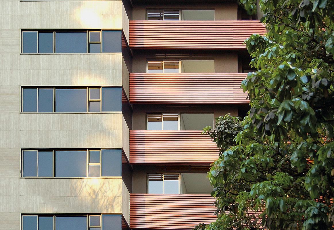 #945337 no coração de uma das regiões mais valorizadas de Belo Horizonte  844 Manutenção Em Janelas De Aluminio Belo Horizonte