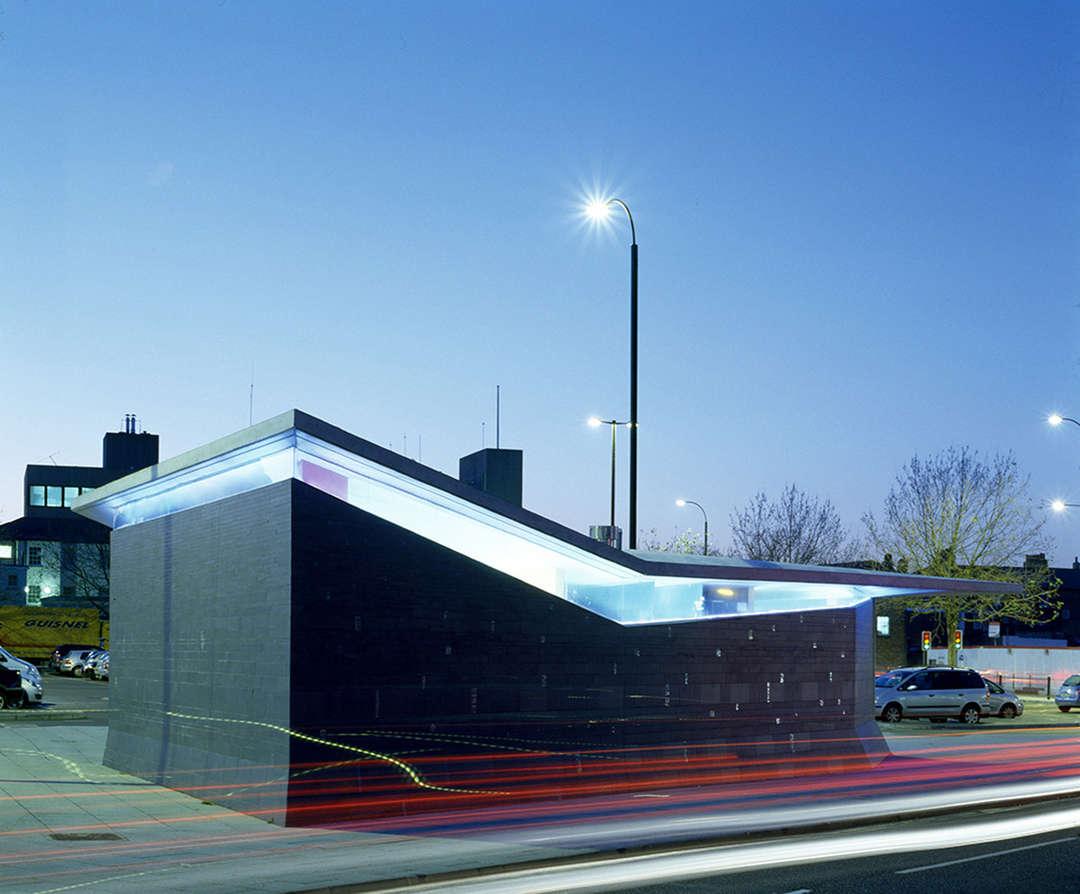 10 banheiros públicos com relevância arquitetônica ARCOweb #296AA2 1080 894
