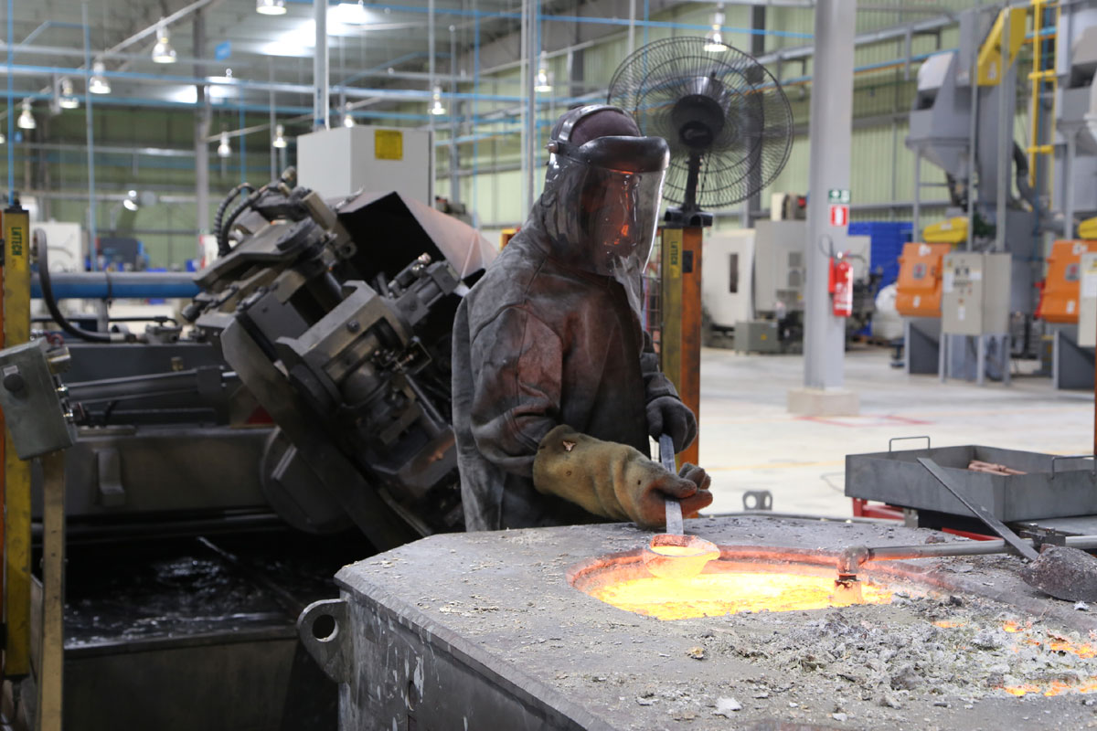 Pernambuco ganha maior fábrica de metais sanitários do Nordeste  #977B34 1200x800 Acessorios Banheiro Roca