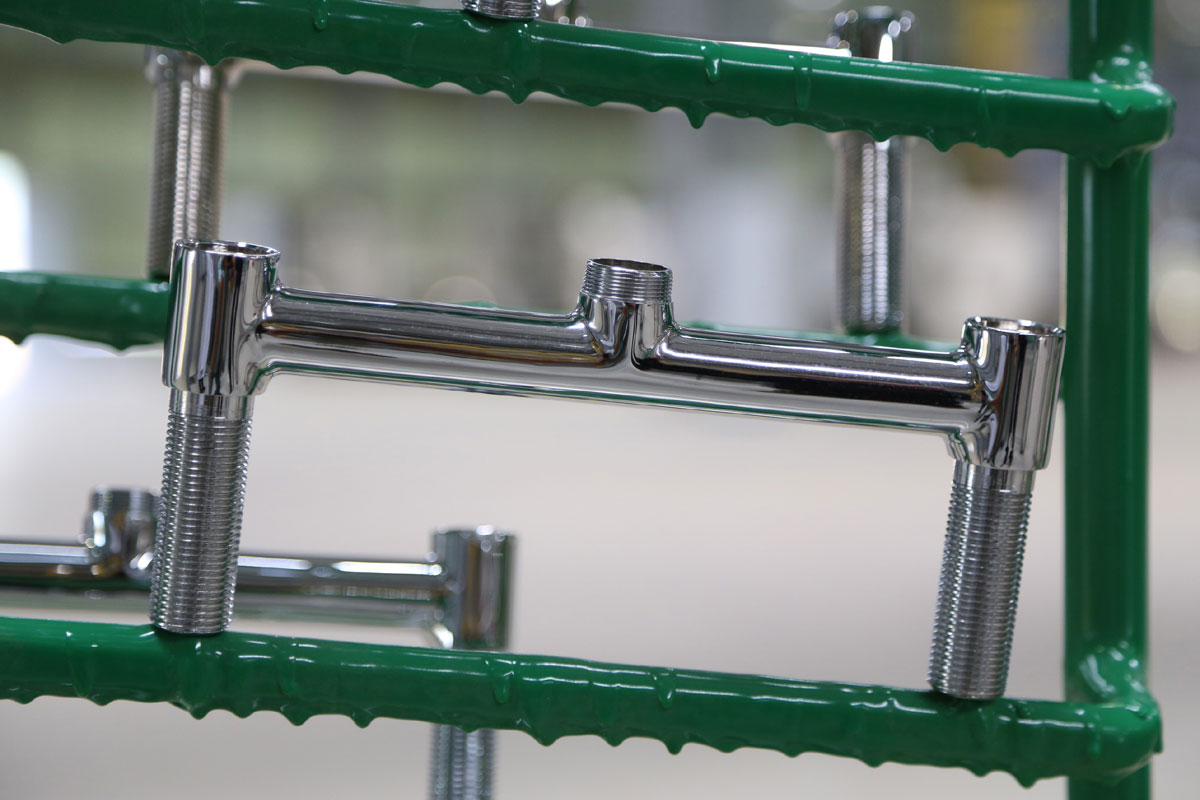 Pernambuco ganha maior fábrica de metais sanitários do Nordeste  #2B6049 1200x800 Acessorios Banheiro Roca