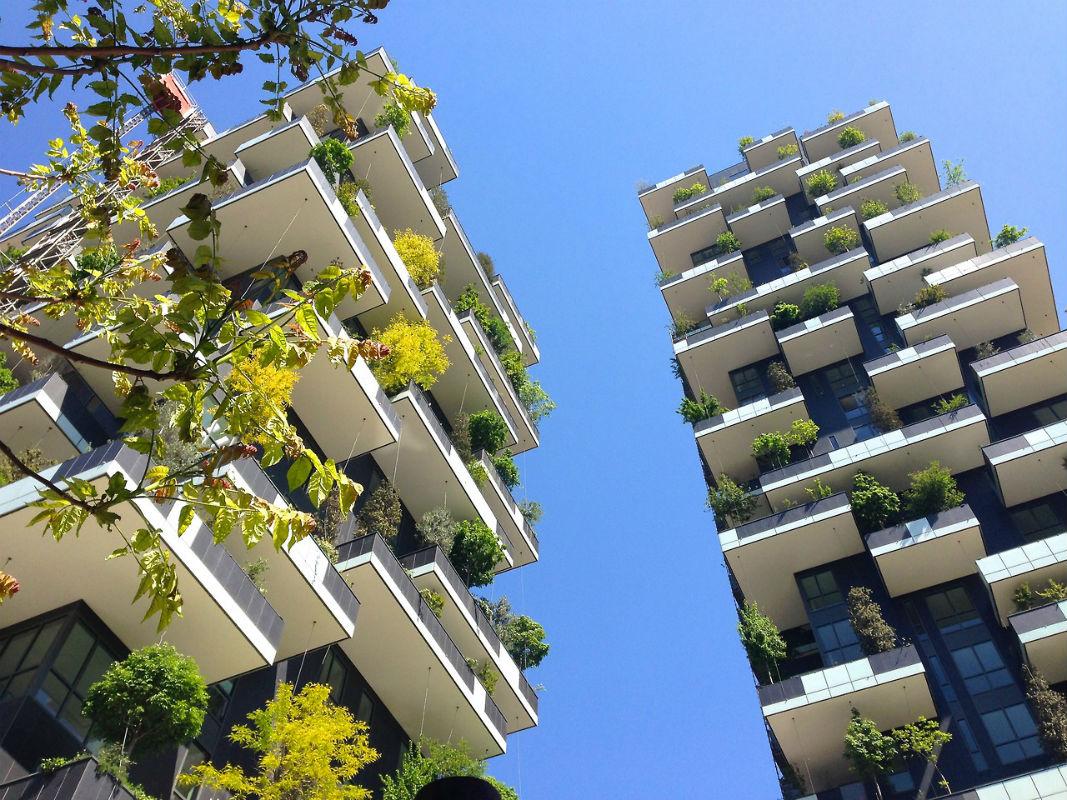 Torres abrigam jardim vertical com 17 mil plantas em Milão ARCOweb #0855C3 1067x800